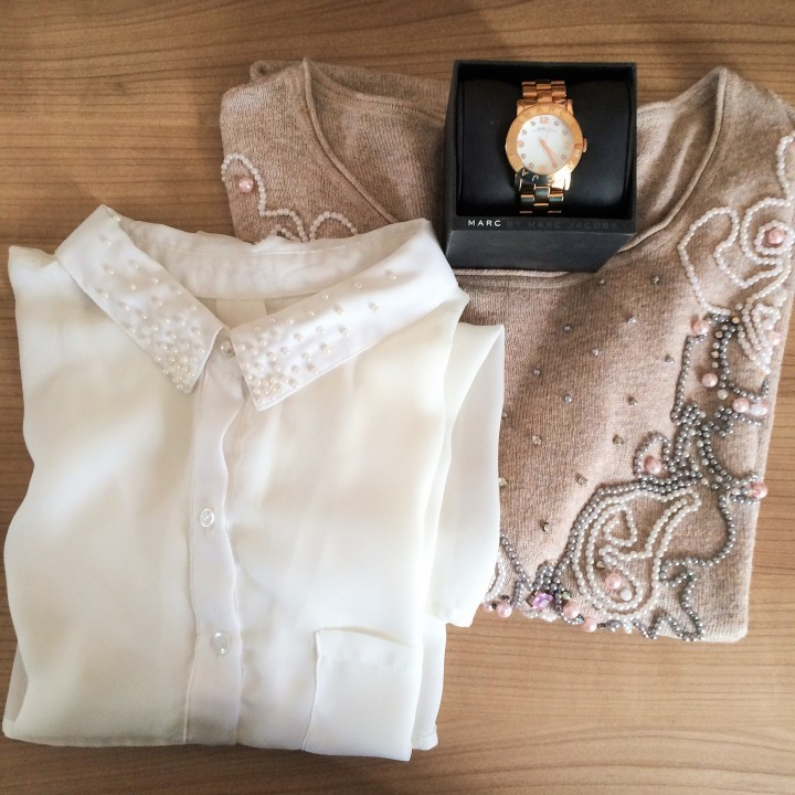 Blouse embroidered withpearls