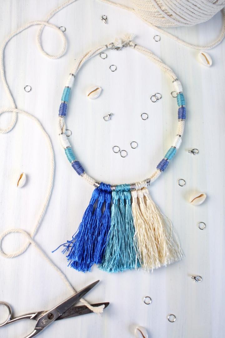 DIY Halskette aus Baumwollkordeln mitQuasten
