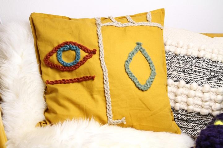DIY: Kissenhülle mit abstraktemGesicht