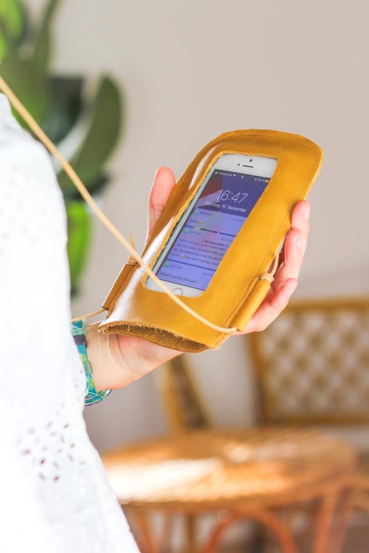 DIY Handy-Umhängetasche ausLeder